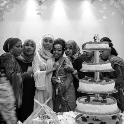 ENG Girls at a wedding party in Hargeisa, Somaliland. 2015. ITA Ragazze ad una festa di matrimonio. Hargeisa. Somaliland. 2015